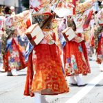 秋や冬にも大々的に行われるよさこい踊りのイベント画像。情報にもバリアフリーを。障がい者とその関係者のコミュニティ、情報サイト。ナレバリ
