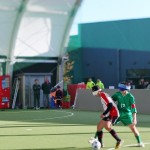パラスポーツとしてのサッカーを楽しむ選手たちの画像。