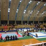 様々なパラスポーツが行われている体育館での大会の様子。将来のパラリンピック選手もここから生まれるかもしれません。情報にもバリアフリーを。障がい者とその関係者のコミュニティ、情報サイト。ナレバリ